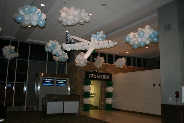 Knoxville balloons knoxville balloon decor balloon for Airplane decoration